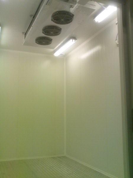 komory budowane z płyt warstwowych